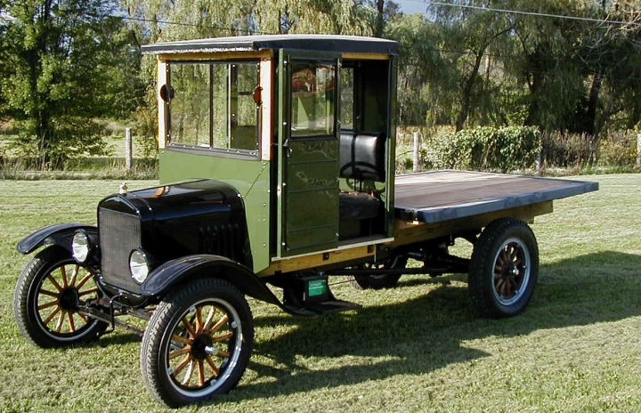 Field Body Corp Of Owosso Built Many Cabs For The Ford